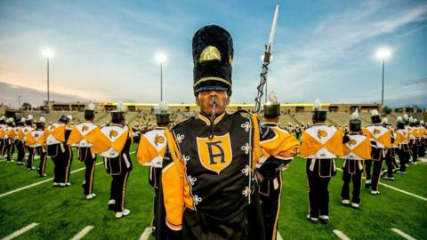 ASU's Mighty Marching H要么nets Band
